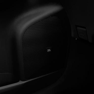 Système audio JBL premium avec 8 haut-parleurs